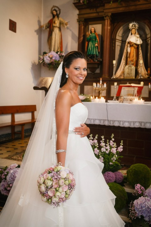 La novia en el altar
